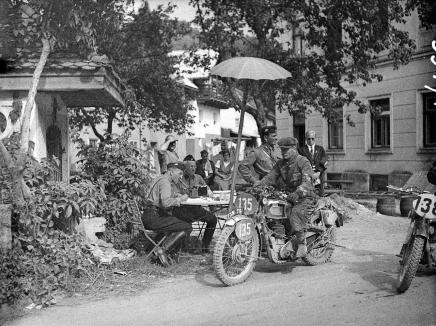 Photo of # 135George Rowley on his works AJS [FXM 791] at the ISDT 1939 (Technische Museum Wien)