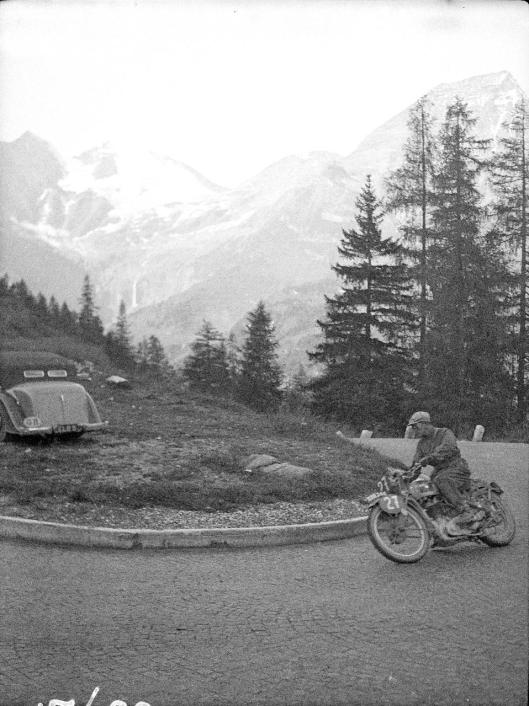 Photo - #27 L Heath Ariel 497cc ISDT 1939 (Courtesy Technisches Museum Wien)
