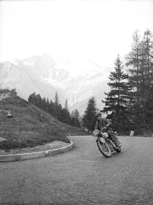 photo - #52 Alan Jeffries Triumph 498cc ISDT 1939 (Courtesy Technisches Museum Wien)