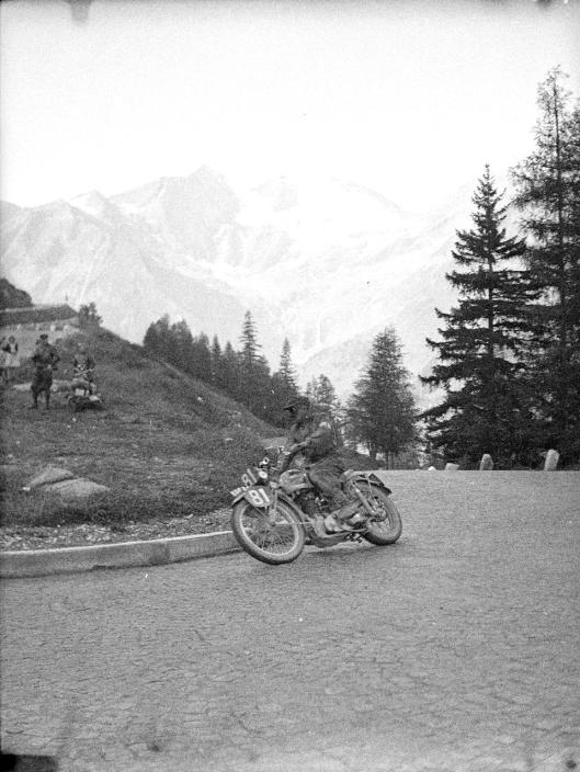 photo - #81 F Povey Ariel 497cc ISDT 1939 (Courtesy Technisches Museum Wien)