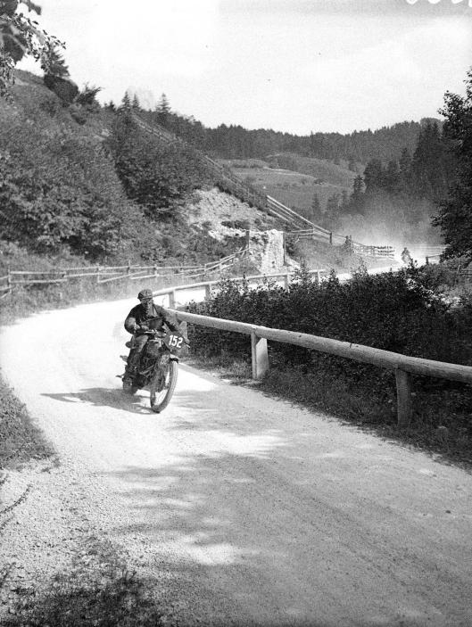 photo - #152 FV Chambers Royal Enfield 346cc ISDT 1939 (Courtesy Technisches Museum Wien)