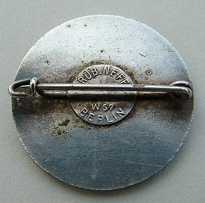 photo -  rider #2 lapel ID badge - rear view clasp ISDT 1935