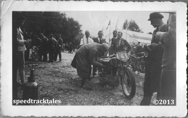 photo - #141 British legend GE Rowley with a faithfull AJS bike ISDT 1935 (Speedtracktales collection)