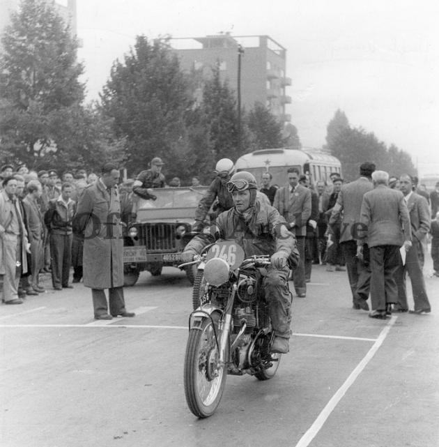 photo - #246 Hugh Viney AJS of the British International Trophy team ISDT 1953 (courtesy Deryck Wylde collection)