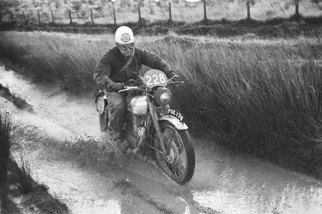 Photo - rider ISDT 1954 (advrider forum)