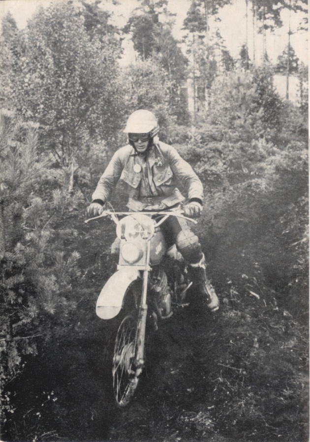 Photo - #138 Mrazek of the Czech Trophy team ISDT 1978