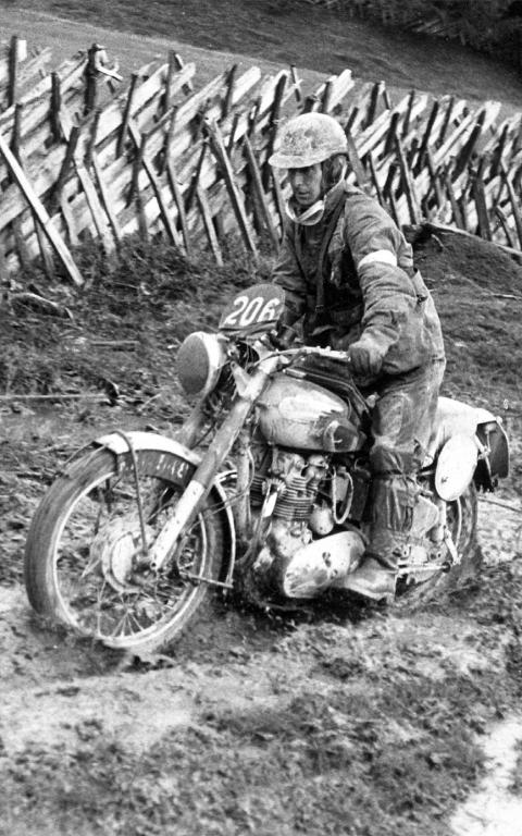 photo - #206 Don Evans on 500 Royal Enfield ISDT 1952 (courtesy Deryck Wylde collection)