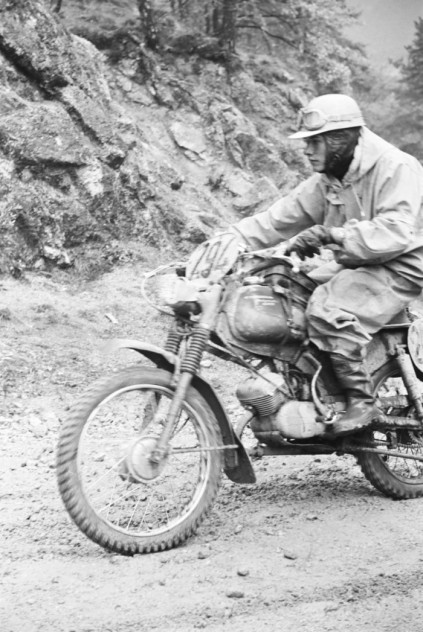 Photo of #xxx Jaques Ickx of Belgium on 50cc Kreidler in ISDT 1962