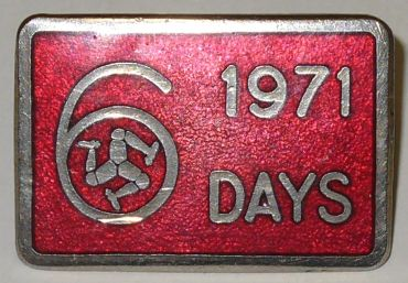 Photo - Lapel badge ISDT 1971 (courtesy Museum of eBay)