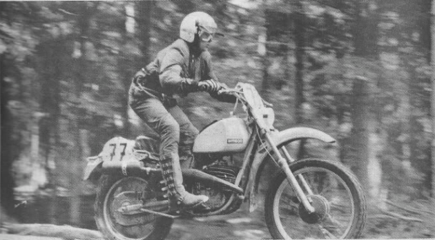 Photo of #77 Bernd Lammel (100cc Simpson) East Germany Vase team