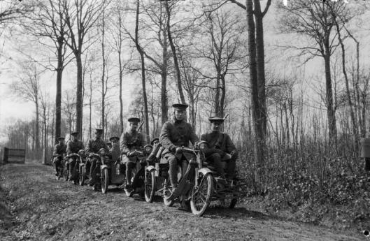 Motor Machine Gun Unit. March 1915. Scott Motorcycles.