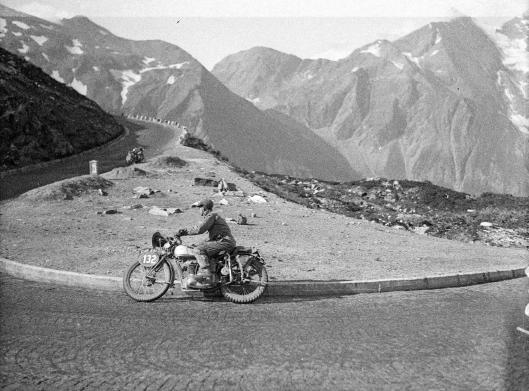 photo - #132 H Slim Triumph 343cc ISDT 1939 (Courtesy Technisches Museum Wien)