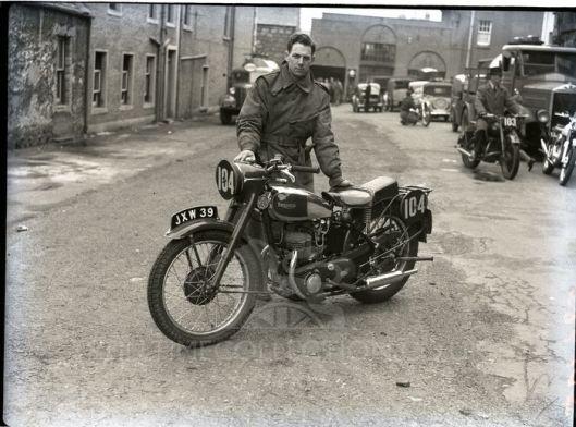 ? - tpt transport bike triumph trw? trial test