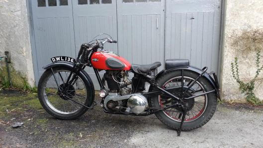 Photo - Lot 181 1936 ARiel 499CC Red Hunter - Competition Model