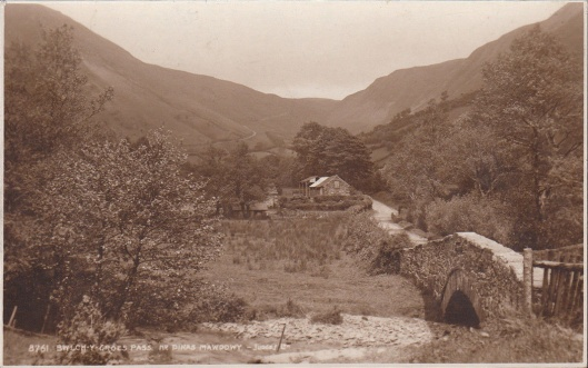 Postcard - Bwlch y Groes 1950's (Judges Cards)