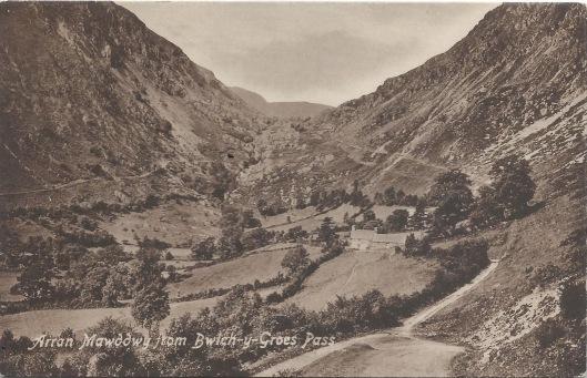 Postcard - Bwlch y Groes and Aran Fawddwy - undated