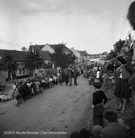 Photo -  Spectators crowding the Hluk time check area to watch the riders in action ISDT 1953 (©Hluké Kroniky)