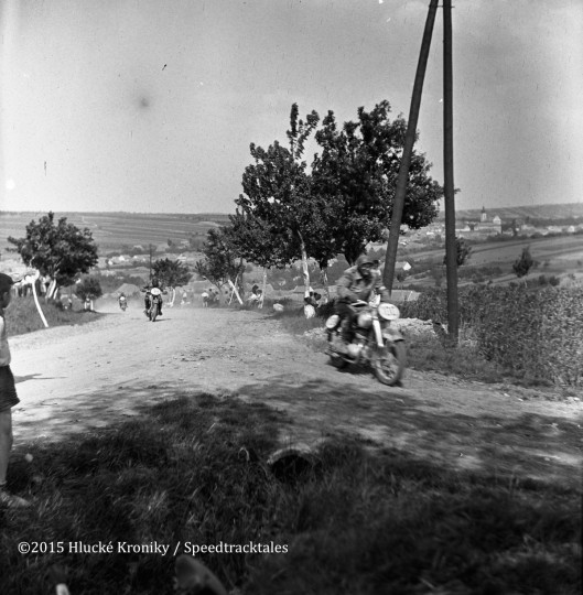 Photo - Riders #100 Ivan Dursansky CZ 150 who lost 3 points and finished on silver and #98 JM Ivanov CZ 150 who retired  on the 5th day  ISDT 1953 (©Hluké Kroniky)