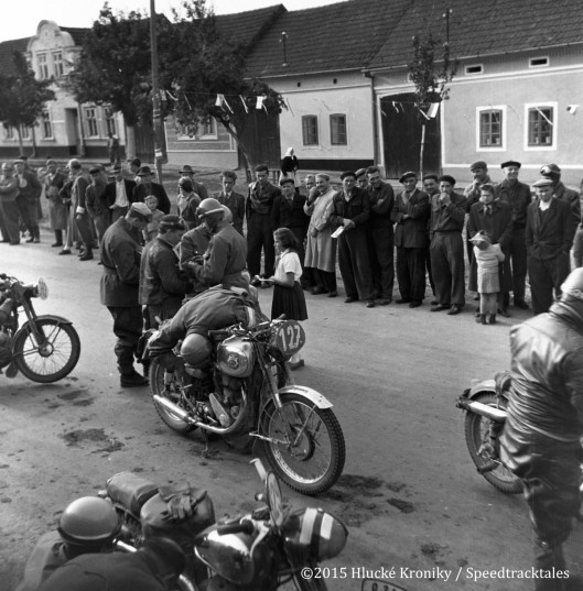 Photo - Riders gather at the Hulk time check #127 G Brouwer BSA 348 #129 Jan Janous Jawa 350 ISDT 1953 (©Hluké Kroniky)