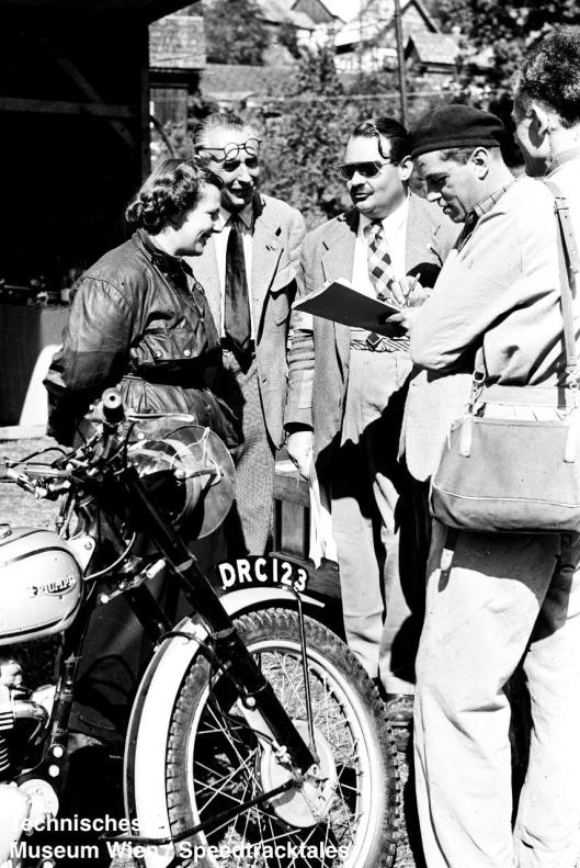 photo - #197 Molly Briggs Triumph 498 [DRC 123] preparing for scrutineering ISDT 1952 (© Artur Fenzlau/Technisches Museum Wien)