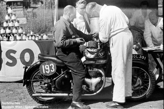 photo - #193 Fred Rist BSA 497cc [MOL 301] fuels up at scrutineering ISDT 1952 (© Artur Fenzlau/Technisches Museum Wien)