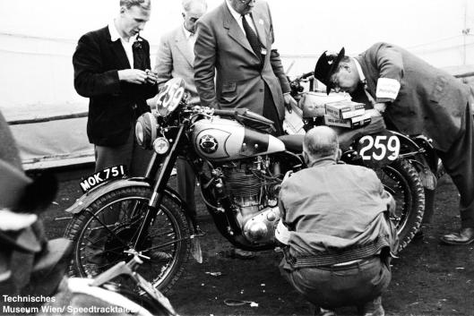 photo - #259 DS Tye works BSA Gold Star 490 [MOK 751] at scrutineering ISDT 1952 (© Artur Fenzlau/Technisches Museum Wien)