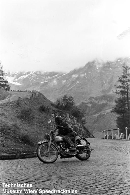 photo - #238 Johnny Giles Triumph 498 [MNX 62] Großglockner Pass ISDT 1952 (© Artur Fenzlau/Technisches Museum Wien)