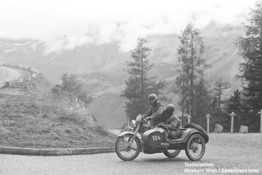 photo - #104 George Buck Royal Enfield [KOL862] #259 Großglockner pass ISDT 1952 (© Artur Fenzlau/Technisches Museum Wien)