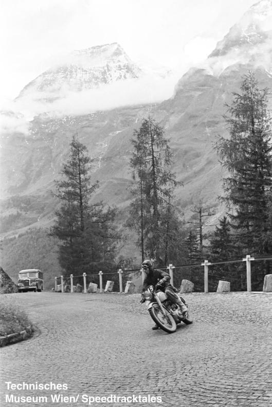 photo - #249 Geoffrey Barker BSA 498 [MVR 819] Großglockner Pass ISDT 1952 (© Artur Fenzlau/Technisches Museum Wien)