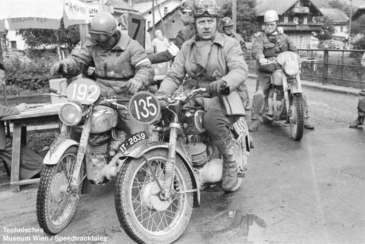 photo - #193 Fred Rist BSA 497cc [MOL 301] at checkpoint ISDT 1952 (© Artur Fenzlau/Technisches Museum Wien)