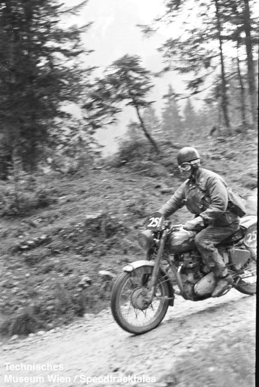 photo - #251 Jack Stoker Royal Enfield 692 [VIP 416] on course ISDT 1952 (© Artur Fenzlau/Technisches Museum Wien)
