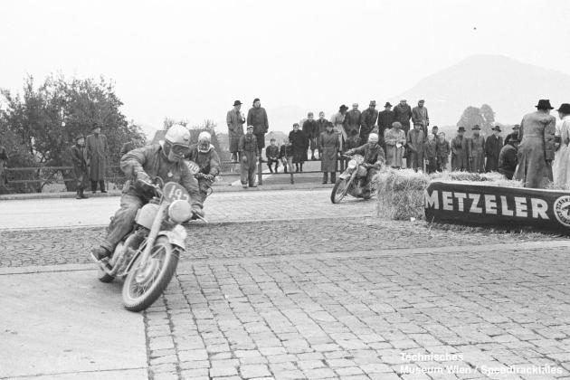 photo - BSA Factory entered #193 Fred Rist BSA 497 [MOL301] #202 BW Martin BSA 497 [MOL302], #209 Norman E Vanhouse BSA 497 [MOL303] at the speed test ISDT 1952 (© Technisches Museum Wien - Erwin Jelinek)