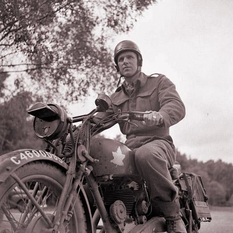 Photo - Canadian DR WW2
