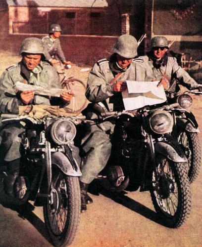 Photo - German Dispatch riders at Stalingrad WW2